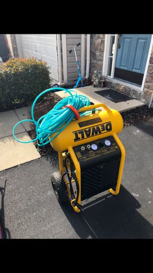 DEWALT 4.5-Gallon Single Stage Portable Electric Horizontal Air Compressor for Sale in Sterling, VA