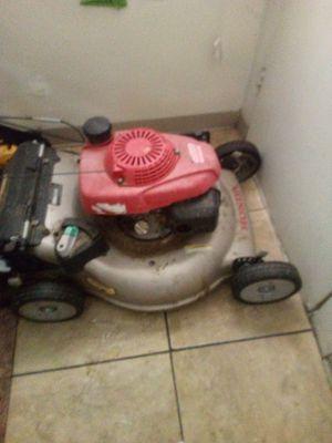 Honda lawn mower for Sale in Bakersfield, CA