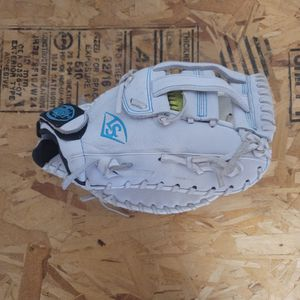 Louisville Xeno First base Glove for Sale in Yorba Linda, CA
