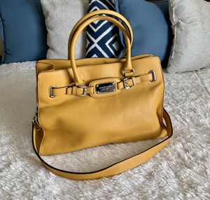 Michael Kors Hamilton Large tote for Sale in Fresno, CA