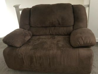 Reclining Loveseat for Sale in Springfield Township,  NJ