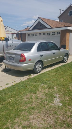 2000 hyundai accent gl for Sale in Lakewood, CA
