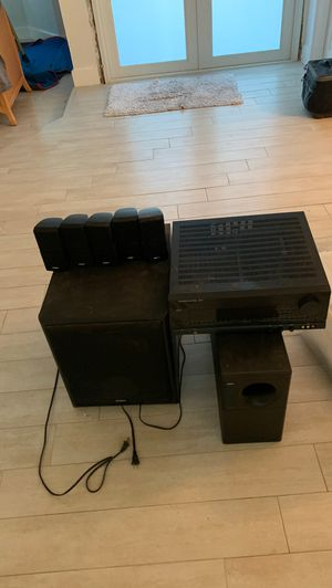 Harman/kardon. Avr 35 5 wall speakers 1 base and a velodyne subwoofer for Sale in Miami, FL