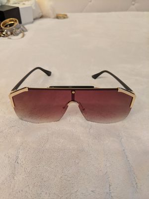 Sunglasses with Pouch for Sale in Rancho Santa Margarita, CA