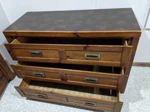 Dresser - FREE for Sale in Buffalo Grove, IL