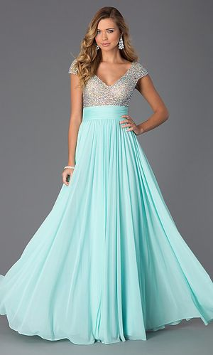 Baby blue prom/homecoming dress size 14 from Prom Girl for Sale in West Deptford, NJ