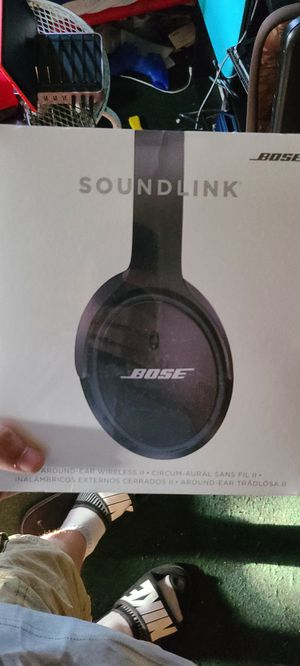 Bose headphones for Sale in Cleveland, OH