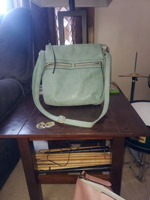 Nice crossbody purse for Sale in Eau Claire, WI