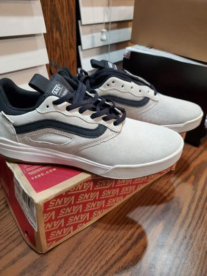 VANS ULTRARANGE PRO BLANC/BLACK for Sale in Azusa, CA