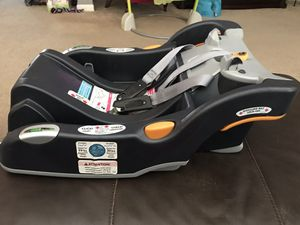 Chicco keyfit 30 car seat base (only) for Sale in Stockton, CA