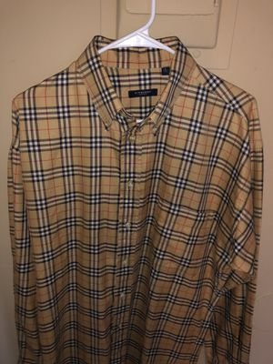 Burberry Shirt Size Large *FIRM* for Sale in Stockton, CA