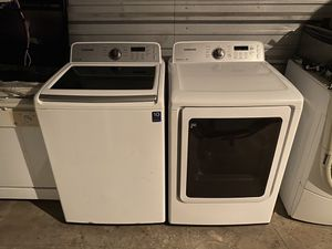 Samsung high-efficiency washer and dryer set( free delivery) for Sale in Orlando, FL