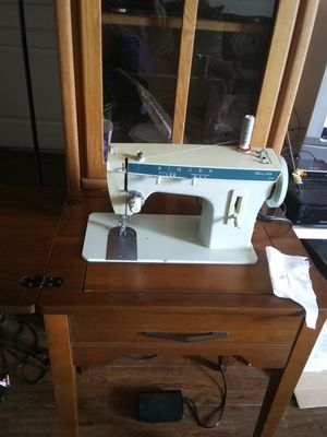 Singer sewing machine for Sale in Denver, CO