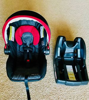 Baby car seat (Graco) + play mat with Piano for Sale in Greensboro, NC