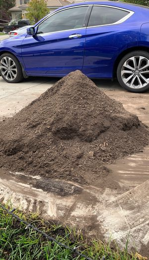 Pile of Organic OMRI listed Compost for garden; gardening, lawn care, plants, flowers. Enhances the soil organically for Sale in Romoland, CA