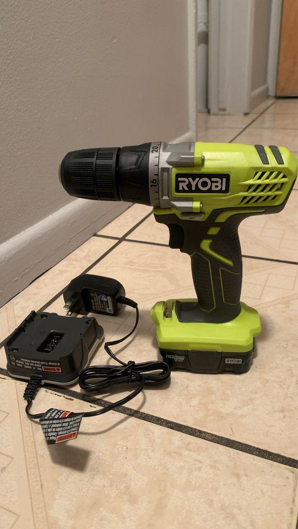 RYOBI 12V Drill / Driver Kit