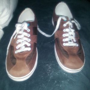 Womens KEDS BROWN SIZE 10 for Sale in Gresham, OR
