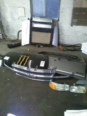 2000 GMC Yukon parts for Sale in Columbus, OH