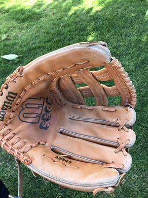 Baseball glove for $15 Firm!!! for Sale in Burbank, CA