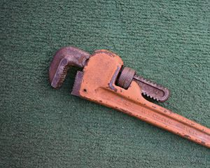 """14"""" Pipe Wrench for Sale in Queens, NY"""
