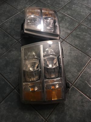 2007-2008-2009-2010-2011-2012-2013 chevy Silverado headlights OEM for Sale in Dallas, TX