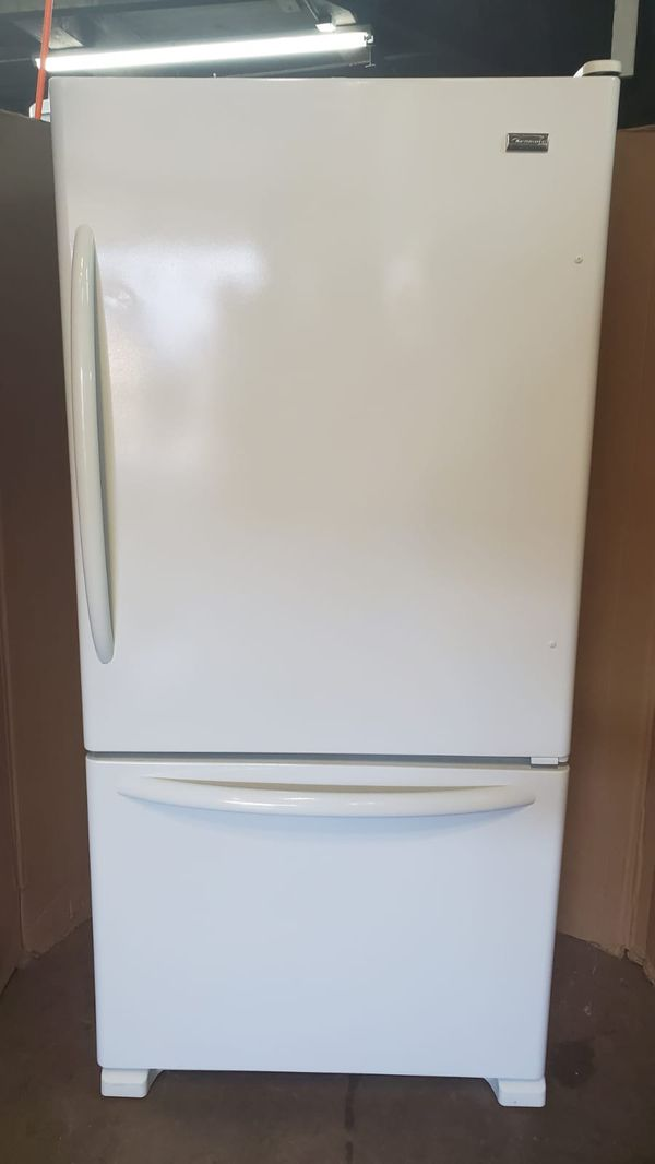 "Maytag bottom freezer refrigerator 33"" inches wide very clean in great conditions 90 days warranty included"