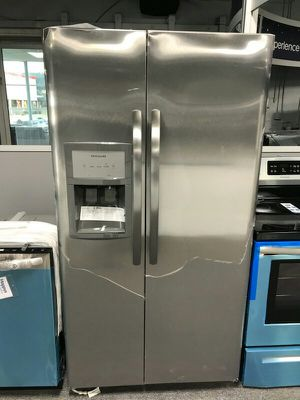Frigidaire Refrigerator Stainless Steel for Sale in St. Louis, MO