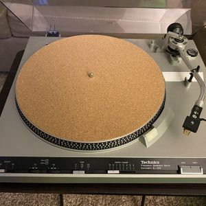 Technics SL-230 Vintage Turtable/record Player for Sale in Midland, TX