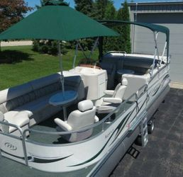 Saltwater Edition_BOAT_2006 Manitou Legacy Pontoon for Sale in Chula Vista,  CA
