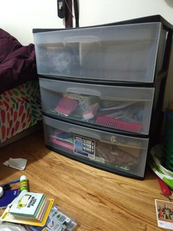 Sterlite Plastic 3 drawer shelf/organizer for Sale in Harrison,  NJ