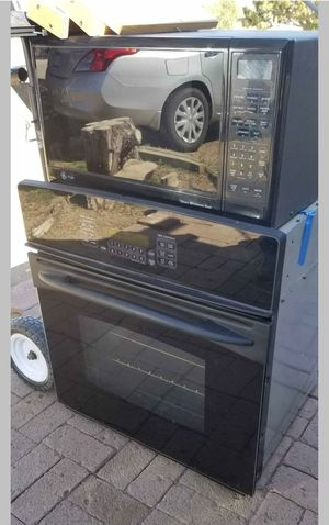 Electric Oven and microwave combo selling together for Sale in Hesperia, CA