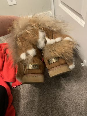 Darling Ugg boots size 4 wear a couple times for Sale in Farmington, UT