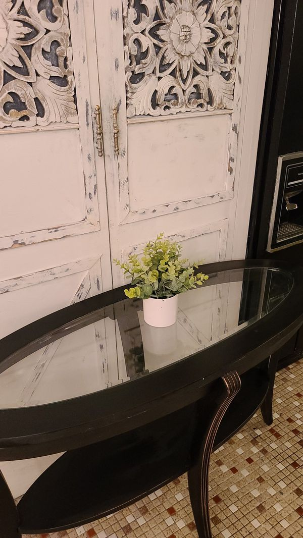 CUTE GLASS ENTRY OR SOFA TABLE