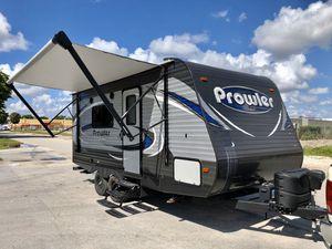 2019 rv travel trailer 18ft for Sale in Miami, FL
