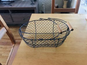 Decorative wire basket to put on your kitchen table or kitchen counter. for Sale in Buffalo, NY
