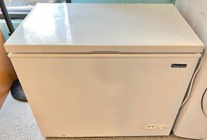 Magic chef chest freezer 7.0 cubic feet + free delivery for Sale in Owings Mills, MD