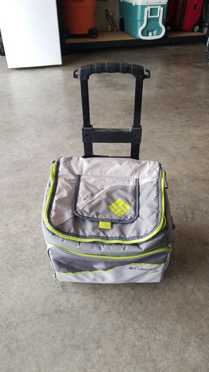 Columbia soft shell cooler with cart for Sale in Puyallup, WA