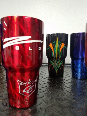 Zglo 30 oz tumbler with glo lid and straw for Sale in Orlando, FL