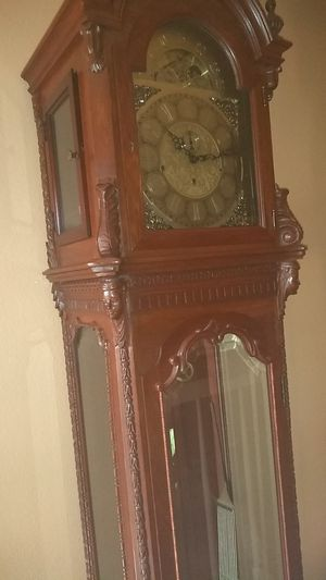 Antique Style Grandfather Clock - family heirloom for Sale in Bulverde, TX