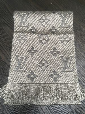 "Gray Louis Vuitton ""Logomania"" wool scarf for Sale in Edmonds, WA"