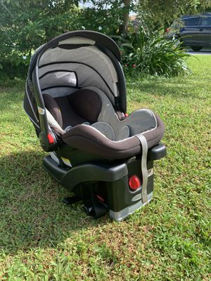 Graco infant car seat for Sale in VLG WELLINGTN, FL