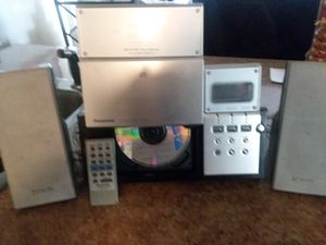 CD player for Sale in Olmsted Falls, OH