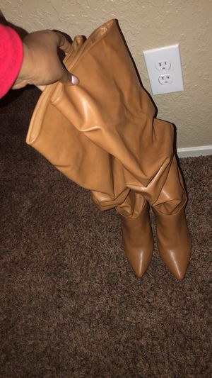 Fashion boots (heels) for Sale in Bystrom, CA