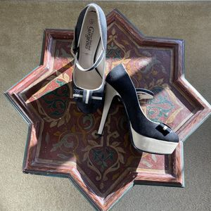 SIZE 7 HEELS for Sale in Chula Vista, CA