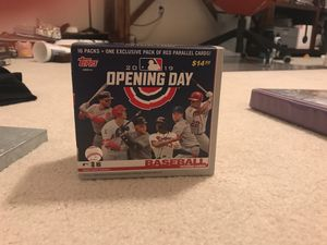 Box of random baseball cards (from different packs and such) for Sale in Federal Way, WA