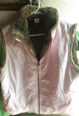 Gap xl faux fur lined vest for Sale in Shawnee, KS