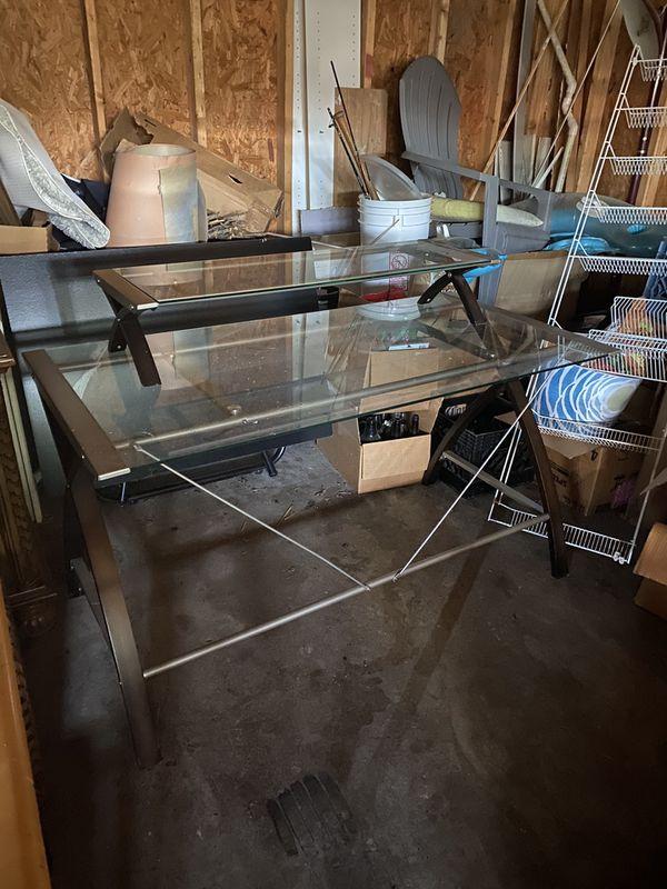 Glass Desk- 500 obo