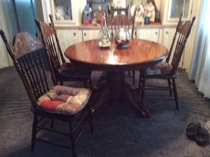 Antique wood table and 6 chairs plus 1 leaf for Sale in Zephyrhills, FL