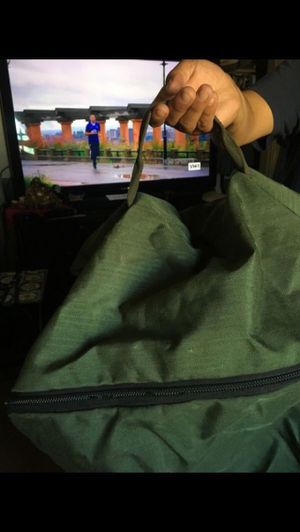 Duffle bag in good condition $10 for Sale in Fontana, CA