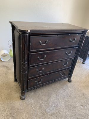 Set of 4 dressers and end tables for Sale in Glendale, AZ